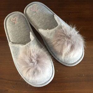 NWOT Victoria's Secret slippers